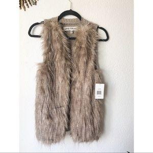 NWT Sebby Collection   Faux Fur Vest Size Medium